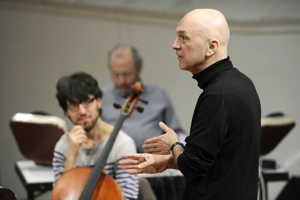 """Maerzmusik 2011 - """"TablesAreTuned"""" - ein Projekt von Bernhard Lang und Alter Ego mit Philip Jeck"""