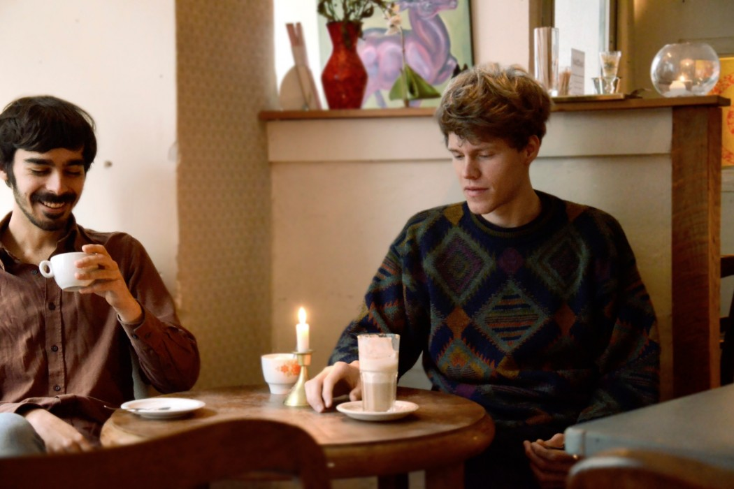 Will Samson and Heimer by Ksti Hub, musicians sat at table with coffee and candle