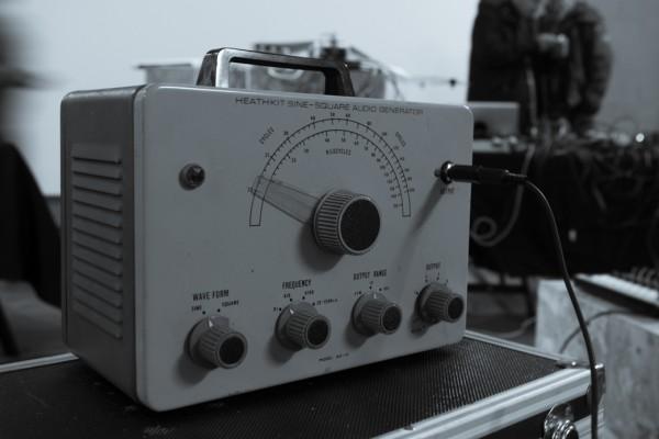 Soundkitchen November 15, old-fashioned sine wave generator