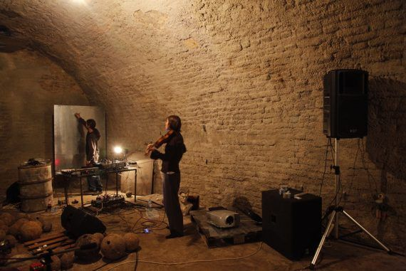 2010_kazamati-under-the-belgrade-fortress_echo-experimental-festival-with-daniel-buess_photo-by-christian-lichtenberg