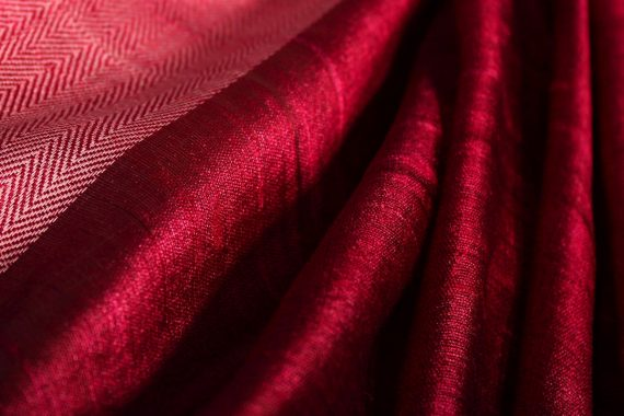 Luigi Turra - Alea, closeup of the folds of a pink velvet curtain